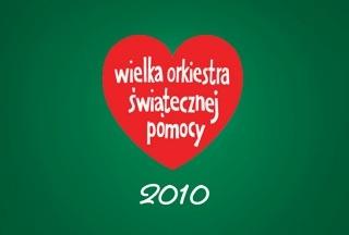 """18. Wielki Finał WOŚP w 2010 roku - Lidl Polska i WOŚP po raz pierwszy zagrały razem! By każde dziecko miało możliwość uzyskania profesjonalnej opieki w granicach swojego regionu nasi pracownicy zbierali datki do """"orkiestrowych"""" puszek przez cały tydzień. 10.01.2010 przekazaliśmy nasz wspólny czek - klientów, pracowników oraz firmy Lidl - na kwotę 1.100.000 złotych, by Orkiestra mogła zakupić sprzęt do wczesnej diagnostyki onkologicznej."""