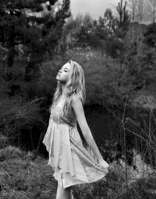 (Open w/ Scarlette) Scarlette stood in an open field, taking in her surroundings. She loved the outdoors. The smell, the sights, the sounds. Everything about it just seemed so perfect to her. So relaxing. Scarlette was delved deep into thought when y/c walks up to her.