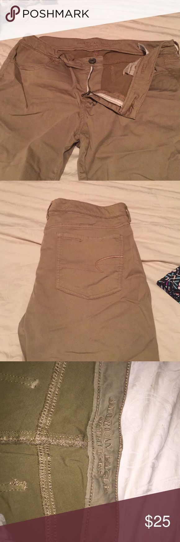 American Eagle khaki jeggings - size 16 These khaki jeggings are chino material, NOT denim. They are great for a casual day at work or on the weekend! Size 16. Never worn! American Eagle Outfitters Jeans Skinny