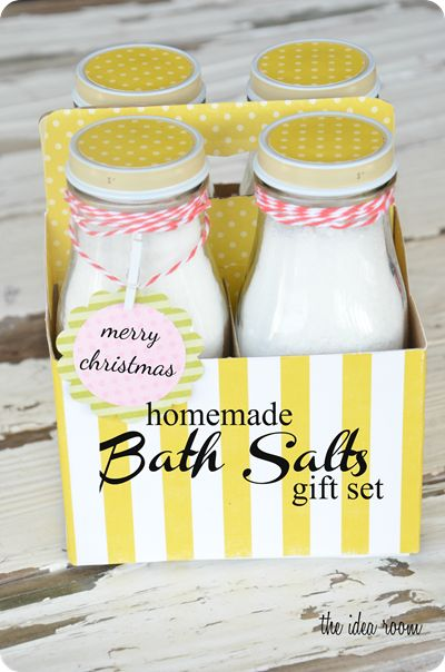 Homemade Bath Salts Recipe. Cute packaging idea!