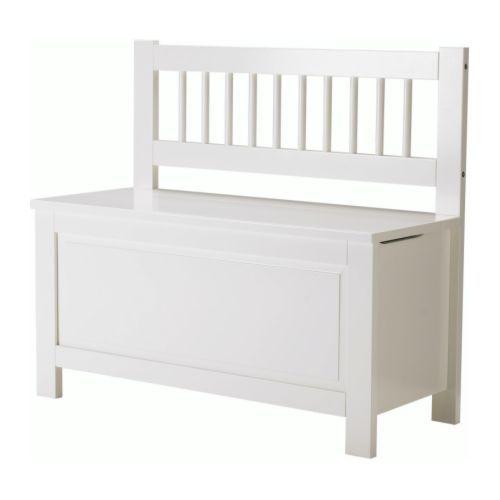 HEMNES Panca con contenitore IKEA Il coperchio si chiude lentamente per ridurre il rischio che il bambino si schiacci le dita.