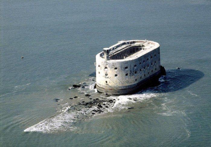 Rechercher | L'histoire par l'image. Vie aérienne du Fort Boyard à marée basse
