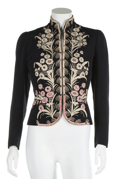 An Elsa Schiaparelli couture daisy-embroidered jacket, Autumn-Winter, 1937-38