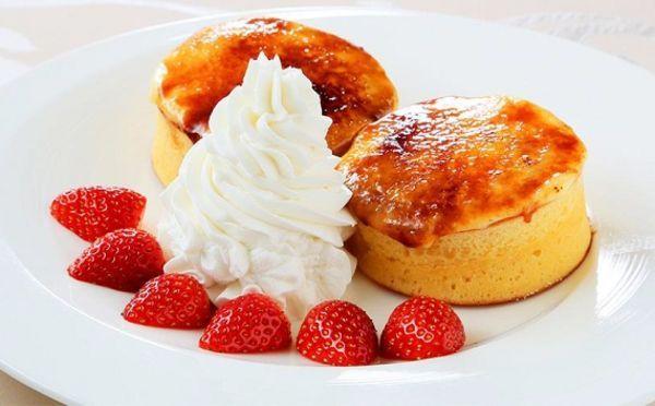 creme brulee pancakes at tokyo intercontinental