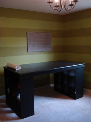 Anything Pretty: How-To- Craft Desk- She is amazing! Will be making one soon!