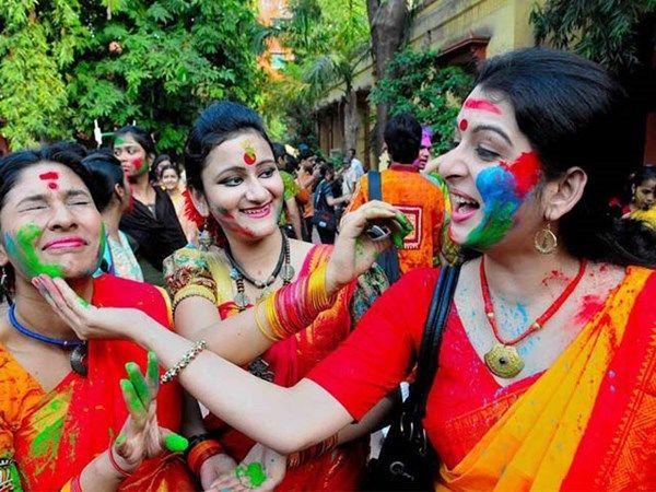 Dolchi Maar' Holi of Bikaner: colorful Celebration of Holi With Happiness