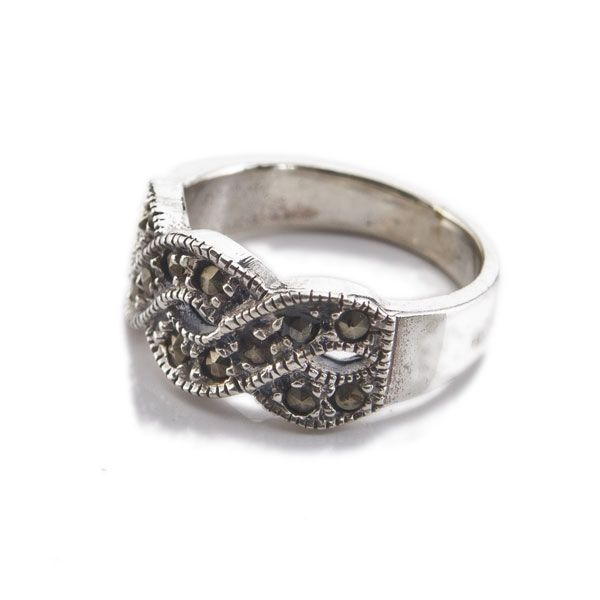 Vintage - Figure of 8 Marcasite Ring
