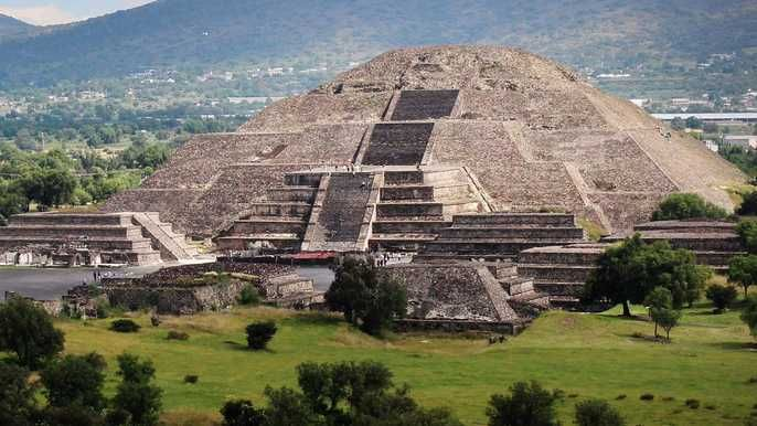 Teotihuacan Shrine Of Guadalupe Tlatelolco Day Tour Teotihuacan Teotihuacan Mexico Great Pyramid Of Giza