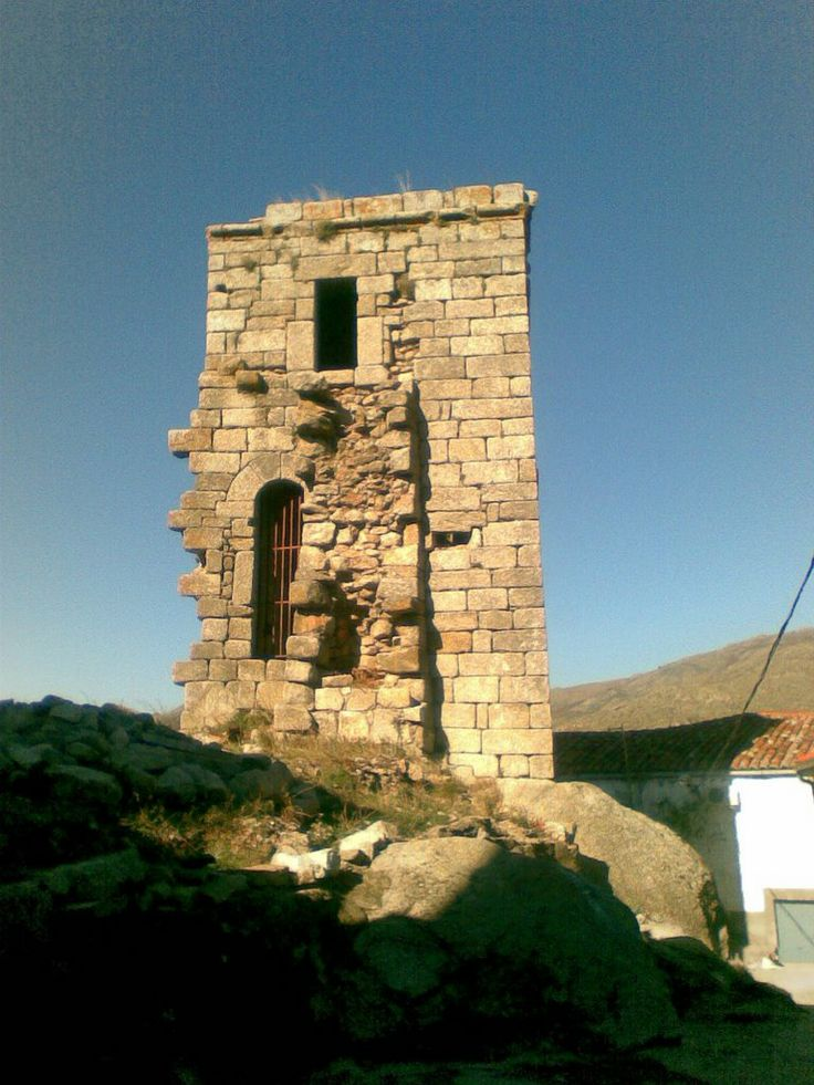 Ruinas del Castillo de Eljas.