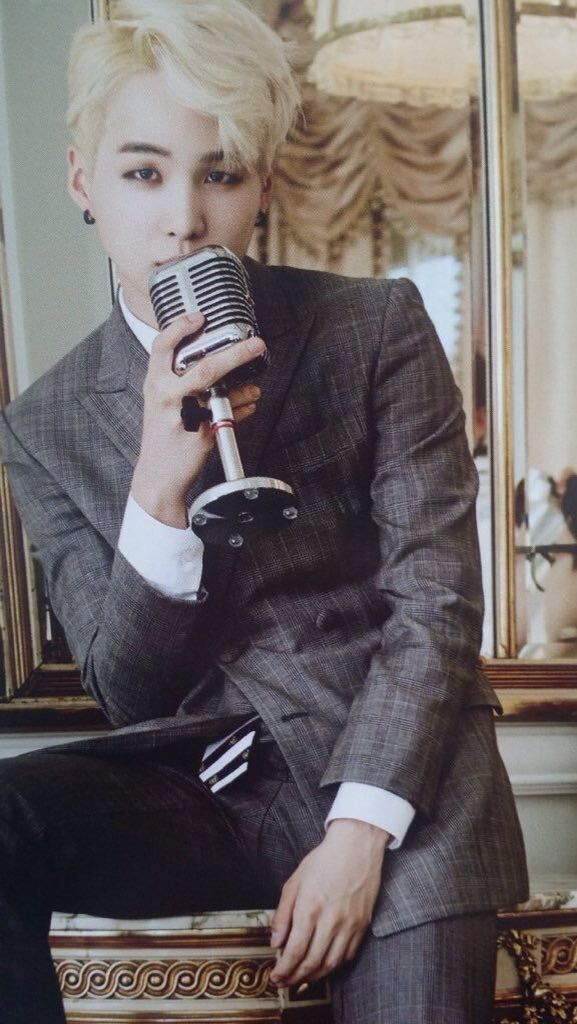 BTS Suga | I HAVE BEEN LOOKING EVERYWHERE FOR THIS PICTURE. THANK YOU PINTEREST GODS FOR BLESSING MY EYES. *^*