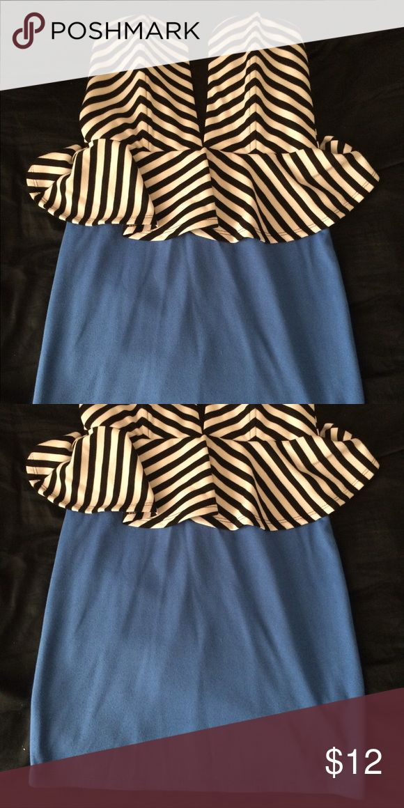 Short striped and blue unique dress Strapless. Cute and unique. Zips in the back. Tight and great for going out. Dresses Strapless