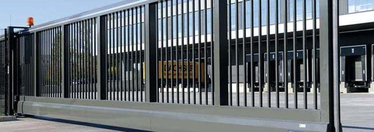Puertas industriales en Cantabria y Vizcaya | Intzia Comercial