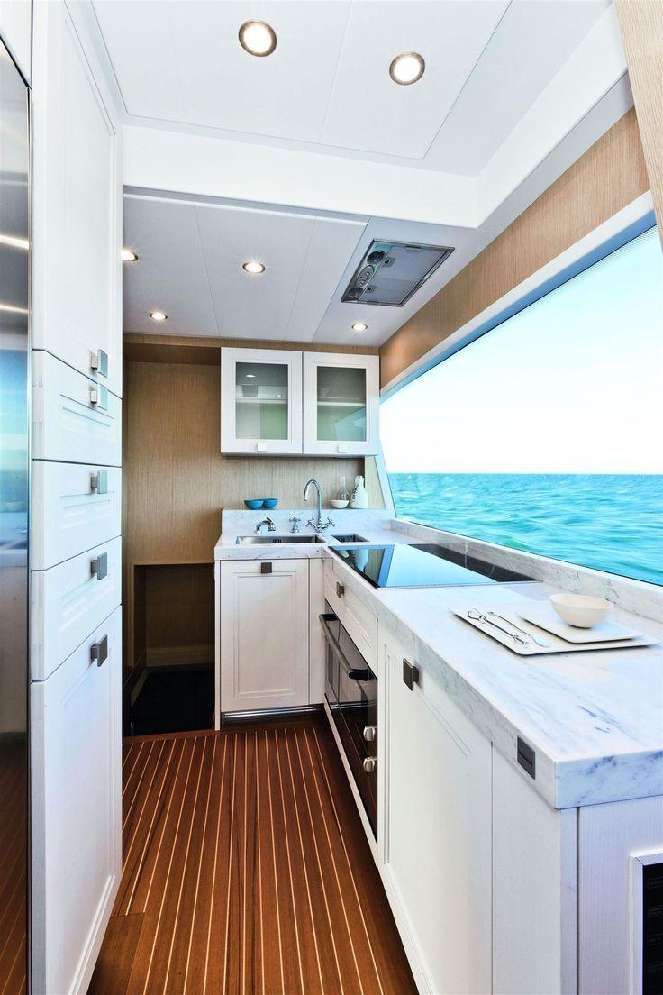 Internal view Mochi Craft - Dolphin 74'