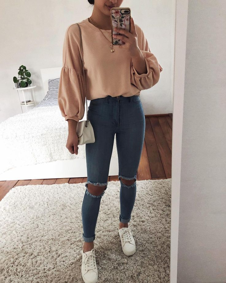 Picture could include: one or more persons, standing persons and shoes …   – Outfit Ideen | Todaypin