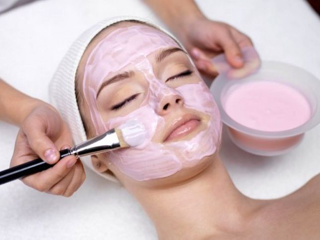Use strawberries and yogurt to DIY this face mask.