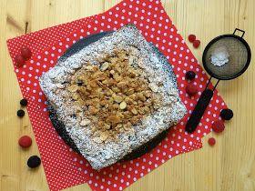 Tarta albanesa de frutos rojos y crumble