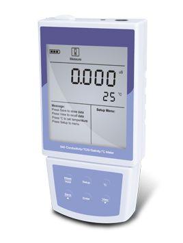 digunakan untuk mengukur konduktivitas , jumlah padatan terlarut , salinitas dan suhu larutan .