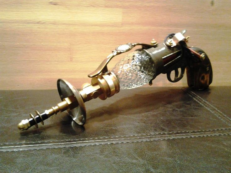 Tesla Pistol - also looks like a Little Sisters needle from Bioshock. I think I need one, considering the USES it could have.