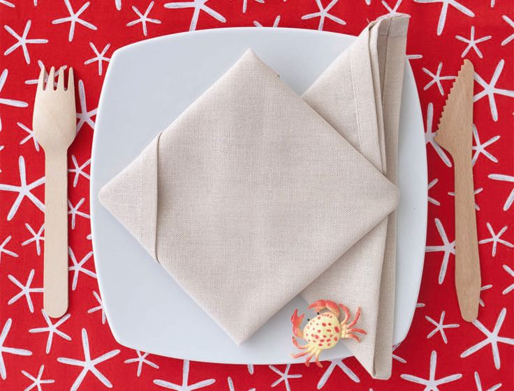 les 35 meilleures images propos de pliages de serviettes sur pinterest simple comment et. Black Bedroom Furniture Sets. Home Design Ideas