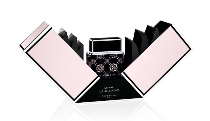 Givenchy http://www.vogue.fr/beaute/shopping/diaporama/shopping-de-noel-special-beaute/16589/image/887860#!givenchy