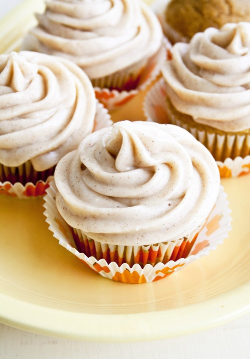 Pumpkin Cupcakes with Cinnamon Cream Cheese Frosting   NancyCreative
