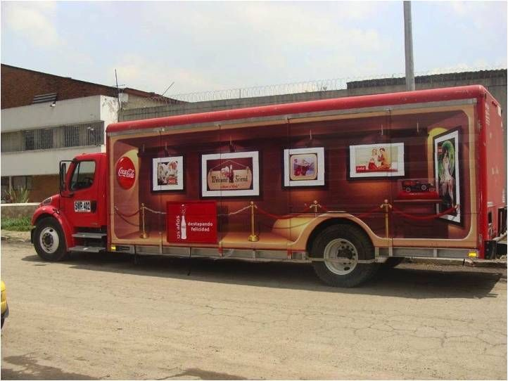 When Coke turned 125 years, they wanted the world to celebrate and turn nostalgic with them. Thus, we designed a 3D Vehicle graphic that transformed the trucks in Colombia into a museum on wheels.