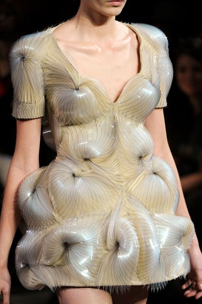 Sculptural Fashion with glossy, 3d layered textures - fashion meets art; avant…