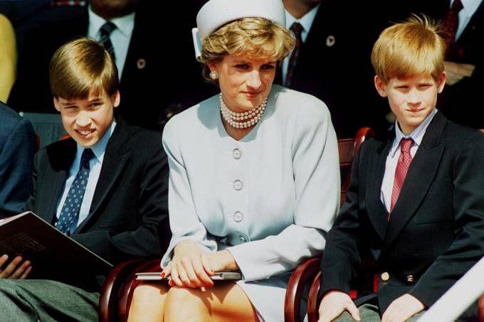 Em documentário da TV inglesa, os príncipes William e Harry lembram da última conversa com a mãe, a princesa Diana, morta em 31 de agosto de 1997