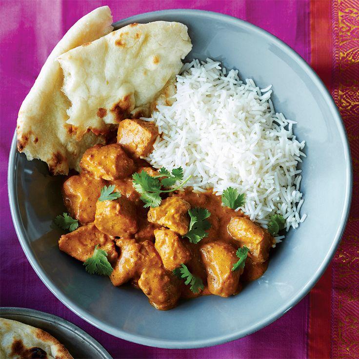 Poulet au beurre à la mijoteuse—Divinement épicé, mais pas piquant, le poulet au beurre est un grand classique des restos indiens. Coup de coeur assuré pour cette version à la mijoteuse!