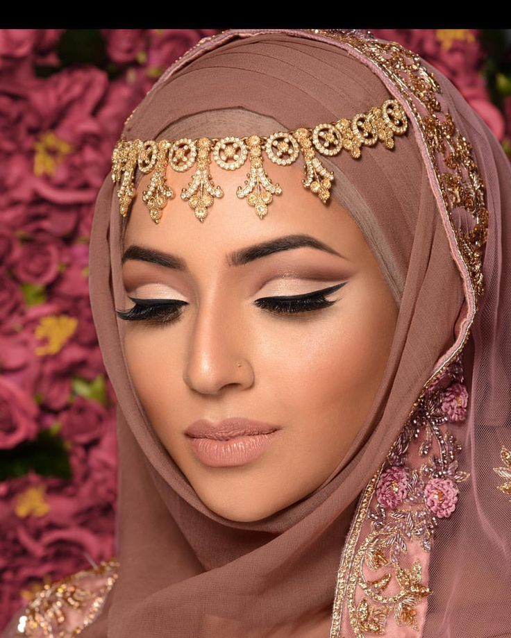 """592 Likes, 9 Comments - Humaira Waza   Hijab Stylist (@humairawaza) on Instagram: """"*Specialist 1-2-1 training for BRIDAL make up artists now available for a limited time - get in…"""""""