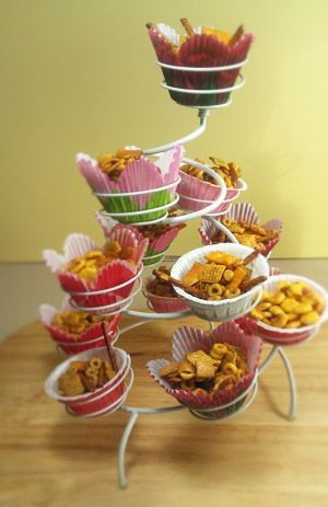 Snack mix recipes-cute idea: Fun Recipes, Snacks Mixed Recipes, Keys Snacks, Simple Snacks, Parties Ideas, Snacks Cups, Serving Snacks, Cupcakes Stands, Cupcakes Trees