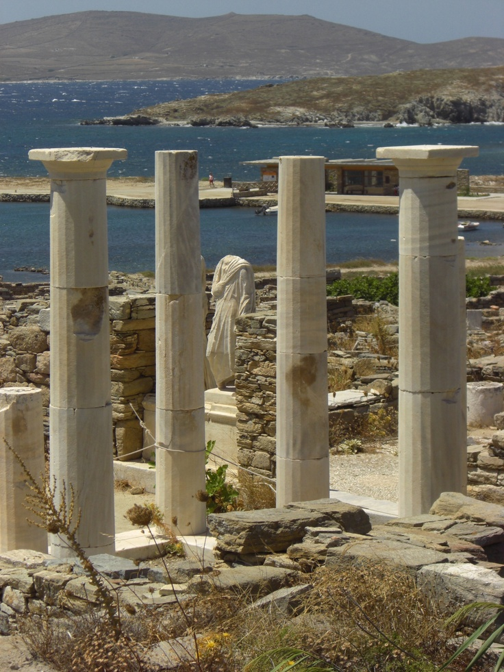 .if you visit Mykonos , you must visit the nearby deserted island of Delos.