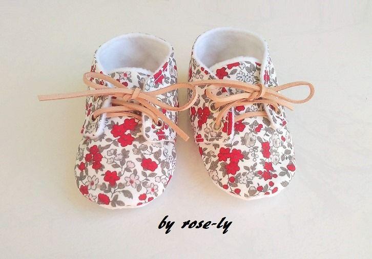Chaussons bébé à lacets liberty antidérapant : Mode Bébé par rose-ly