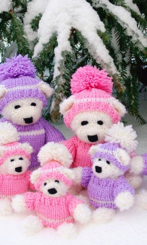 Download Wallpaper 480x800 New year, Christmas, Needles, Snow, Bears, Sitting, Family HTC, Samsung Galaxy S2/2, Ace 480x800 HD Background