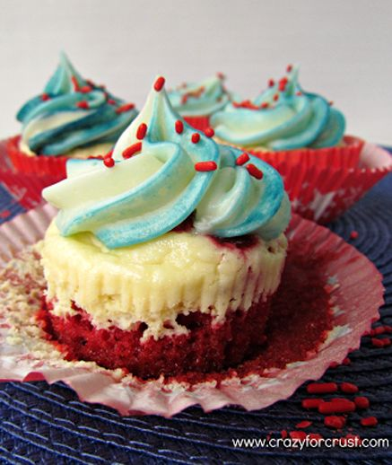 Red Velvet Cheesecake 4th of July Cupcakes  #4thofjulydesserts #4thofjulyideas