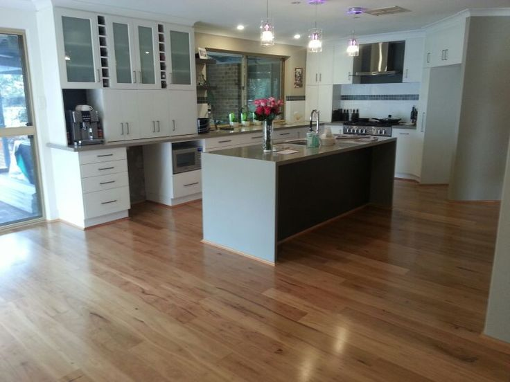 Blackbutt-solid-timber-floor.jpg 816×612 pixels