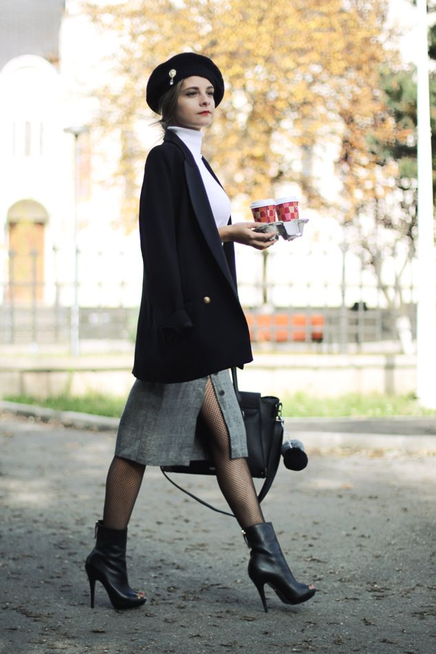 Fall vintage inspired street style.