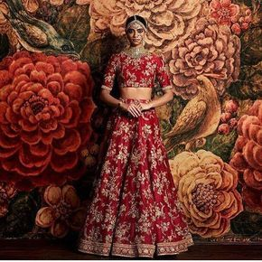 A @sabyasachiofficial ensemble is always a good idea. Shop the designer at our Wedding Show on 8 January 2017! Get your tickets today. Link in our bio. #aashniweddingshow #london #indianwedding #weddingdress #weddingdresses #weddinggown #toptags #weddinginspiration #bridal #bridalstyle #amazingdress #weddingidea #fashiongram #gown #bridalcollection #dreamwedding #gettingmarried #dreamdress #couture #fashionista #runwaybride #weddingplanning #weddingbeauty #bride #bridesmaids #instawed…