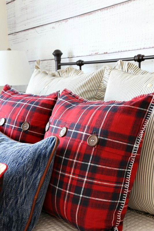 Savvy Southern Style: Christmas Cabin Guest Room Tour and Giveaway