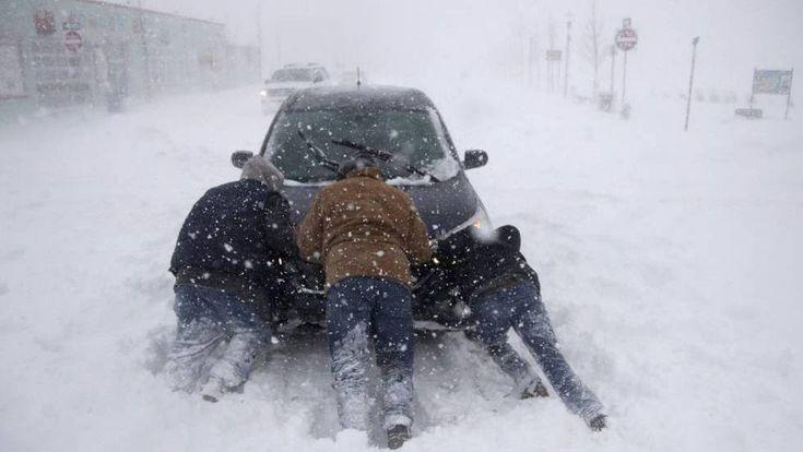 """Nueva York declara el estado de emergencia ante la llegada de la """"bomba ciclón"""" invernal El temporal de frío extremo y fuertes rachas de viento deja nevadas copiosas y complica las comunicaciones en el noreste de EE UU #Invierno #Nieve #Estaciones año #Estados Unidos #Norteamérica #Precipitaciones #Meteorología #América http://www.miblogdenoticias1409.com/2018/01/nueva-york-declara-el-estado-de.html#more #news #nuevayork o#Frío #Noticias"""