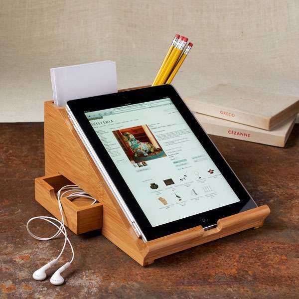 Stationary Tablet Stands - The Bamboo iPad Station Props Your Tablet for an Easy Study Session (GALLERY)