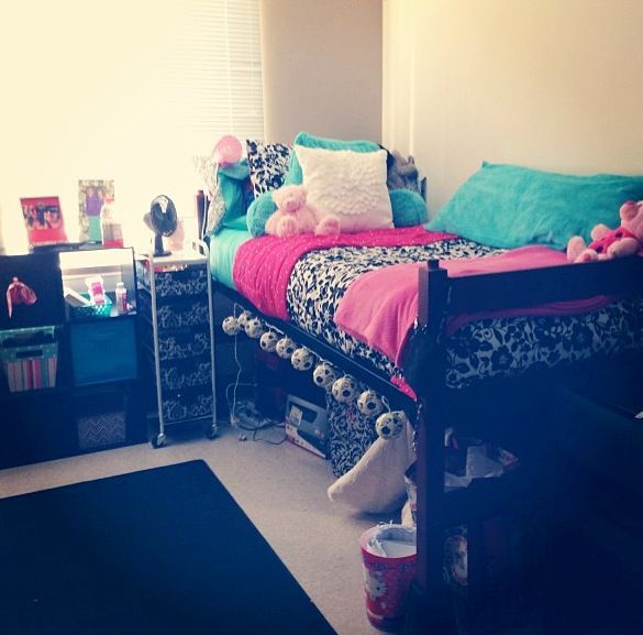 Colorful Dorm Room: Best 25+ Colorful Bedding Ideas On Pinterest