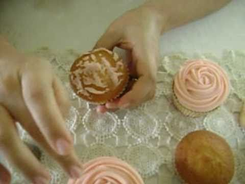 do you want to know how to make a rose cupcake?...well, here it is...