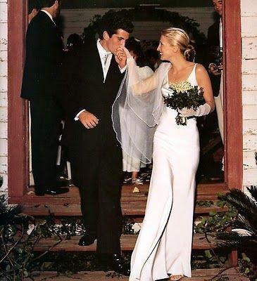 Carolyn Bessette Kennedy.: John Kennedy, Wedding Dressses, Carolyn Bessette Kennedy, John F Kennedy, Wedding Dresses, John John, Narciso Rodriguez, Jfkjr, Jfk Jr