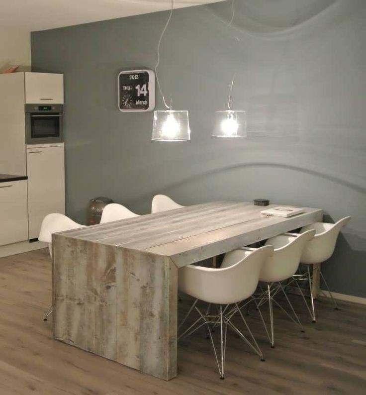 Steigerhout tafel Olavi - gemaakt van oud steigerhout afgewerkt met white wash en extra laklaag