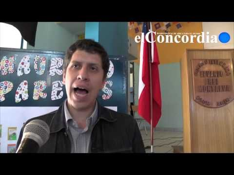 Pequeños escolares disfrutaron de la presencia del escritor Mauricio Paredes [Video]   Diario Digital El Concordia de Arica