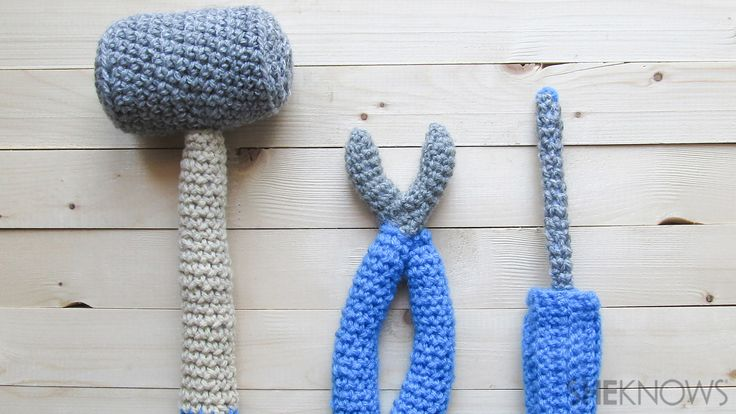 Crochet a Tool Set , Screwdriver, a Hammer and some Pliers - Free Amigurumi Pattern here: http://www.sheknows.com/living/articles/1038605/crochet-tools-for-fathers-day