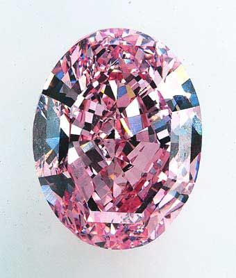 The Steinmetz Fancy Vivid Pink Diamond, weighs 59.60 carats and has been graded as internally flawless; was discovered in southern Africa and is the largest known in the world.