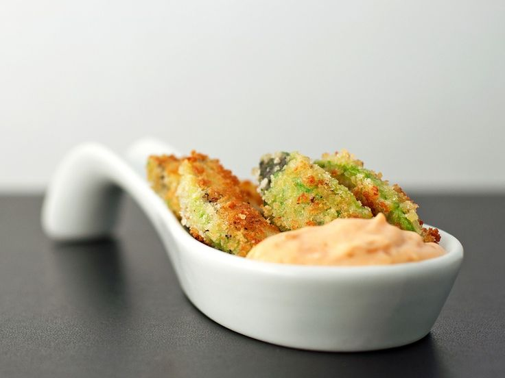 Avocado Fries with Spicy Roast Garlic Dip