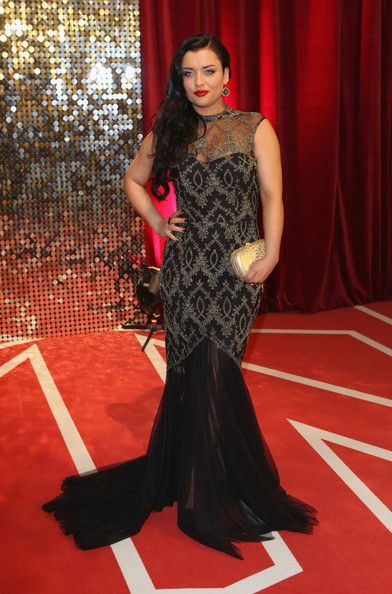 Upea merenneitomainen asu Talvelle. Actress Shona McGarty attends the British Soap Awards at Media City on May 18, 2013 in Manchester, England. (May 17, 2013 - Source: Tim P. Whitby/Getty Images Europe)